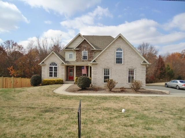 2014 Hollowfield Ln, Greenbrier, TN 37073
