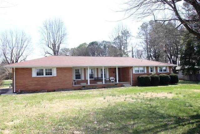 1593 Modena Rd, Winchester, TN 37398