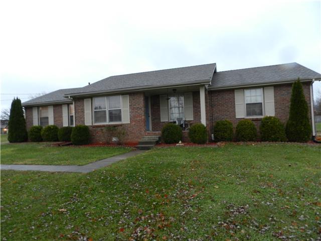 803 Iris Ln, Clarksville, TN 37042
