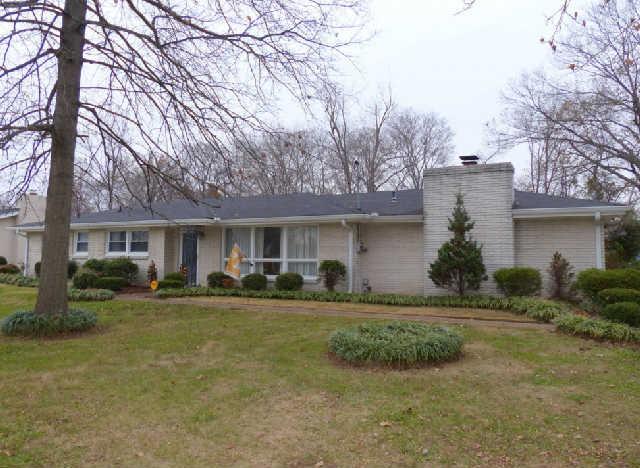 One of Hendersonville 3 Bedroom Single Story Homes for Sale