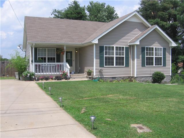 413 Caney Ln, Clarksville, TN 37040