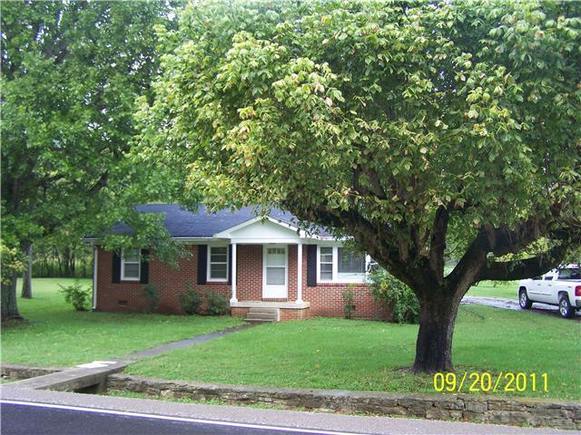 1427 Old Woodbury Pike, Readyville, TN 37149