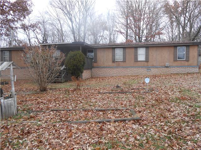 1047 Oak Grove Rd, Dickson, TN 37055