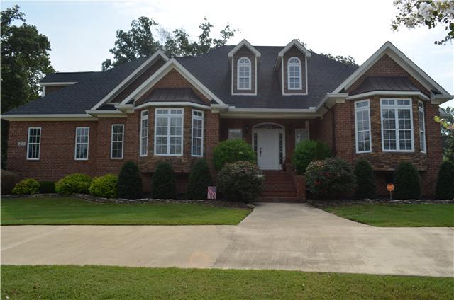 21 Windwood Dr, Fayetteville, TN 37334