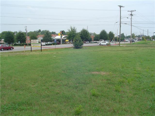 101 New Shackle Island Rd, Hendersonville, TN 37075