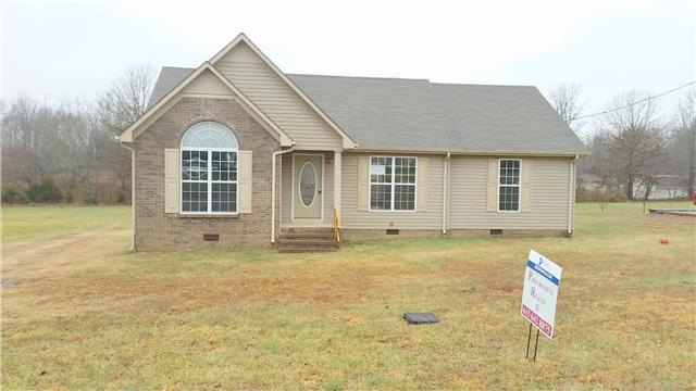 16 Hunters Ridge Dr, Fayetteville, TN 37334