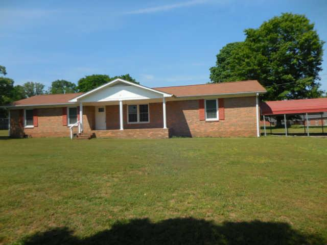 68 Old Lincoln Rd, Fayetteville, TN 37334