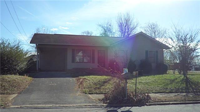 906 E Main St, Decherd, TN 37324