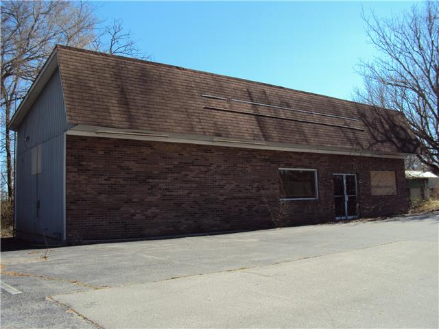 Commercial Property for Sale, ListingId:32225766, location: 610 S Mountain St Smithville 37166