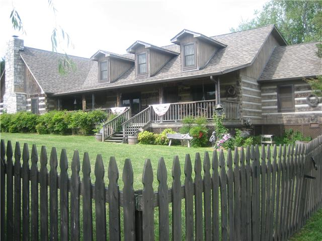 1676 Willow Branch Rd, Dickson, TN 37055