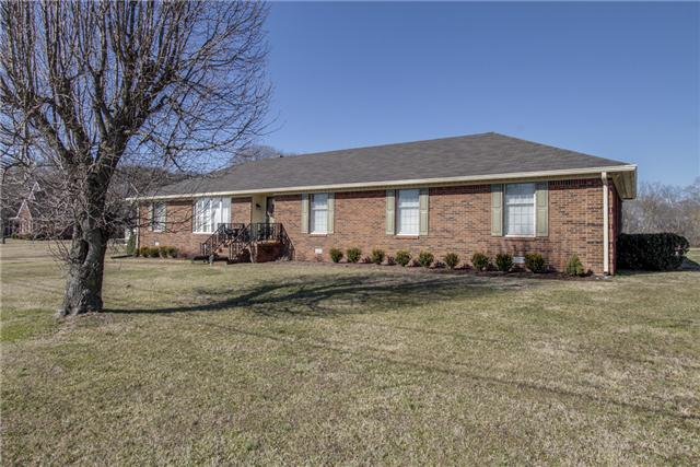 1714 Aster Dr, Columbia, TN 38401