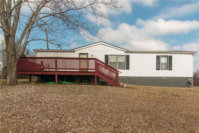 3426 Lake Rd, Woodlawn, TN 37191