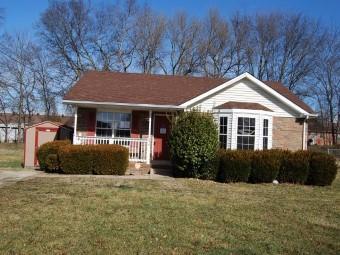 579 Oakmont Dr, Clarksville, TN 37042