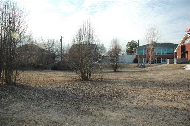 246 Uffelman Dr, Clarksville, TN 37043
