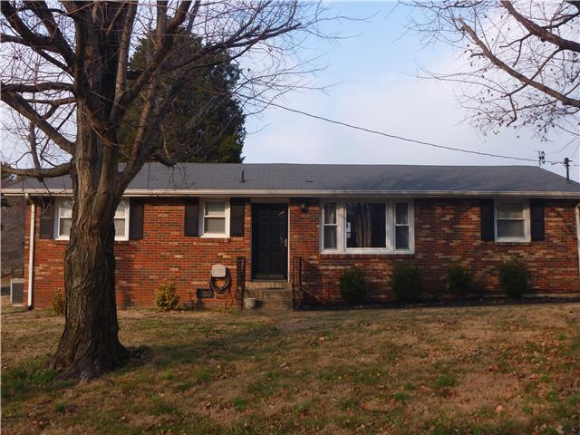 130 Maple St, Cross Plains, TN 37049