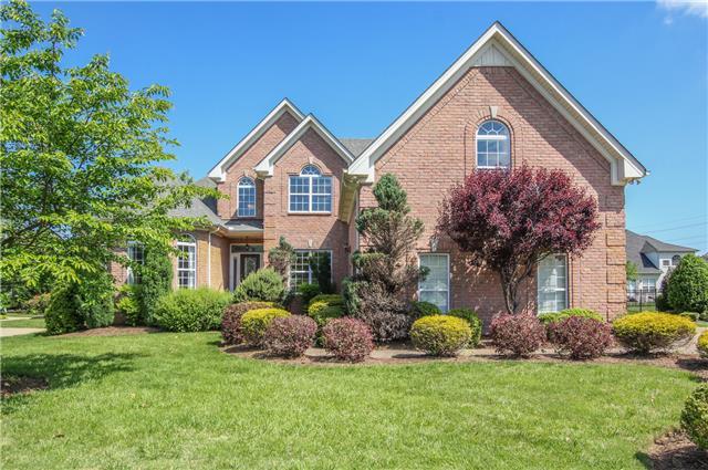 2215 Haddington Cir, Murfreesboro, TN 37130