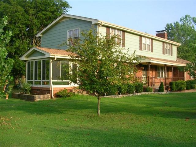 137 Cumberland Shores Dr, Hendersonville, TN 37075