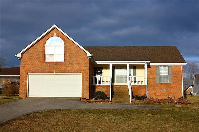 701 Red Hollow Dr, Springfield, TN 37172