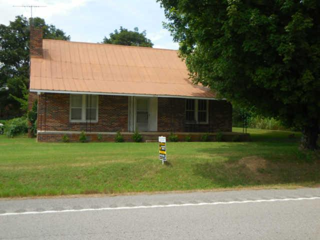 449 Old Railroad Bed Rd, Fayetteville, TN 37334