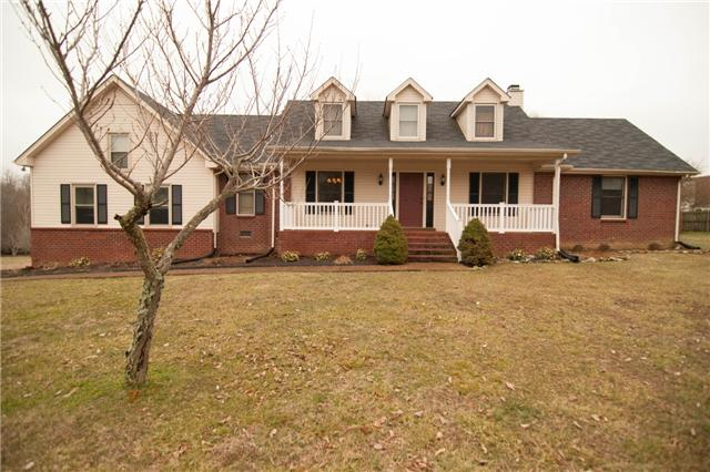 202 Autumn Wood Dr, White House, TN 37188