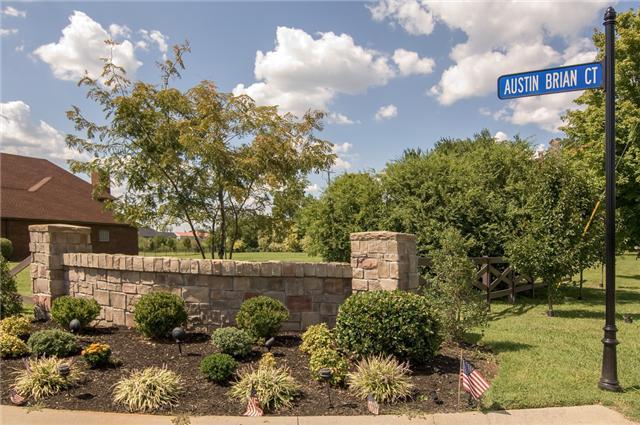 3153 Austin Brian Ct, Clarksville, TN 37043