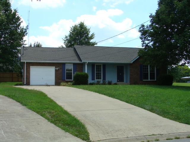 302 Blaine Ct, Clarksville, TN 37043