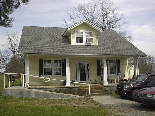 805 McMurry Blvd E, Hartsville, TN 37074