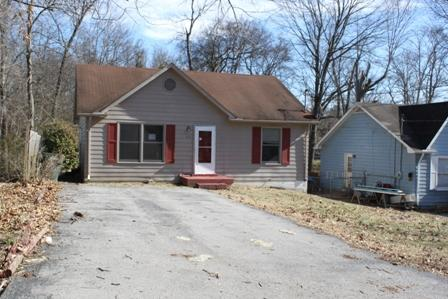 418 Circle Dr, Springfield, TN 37172