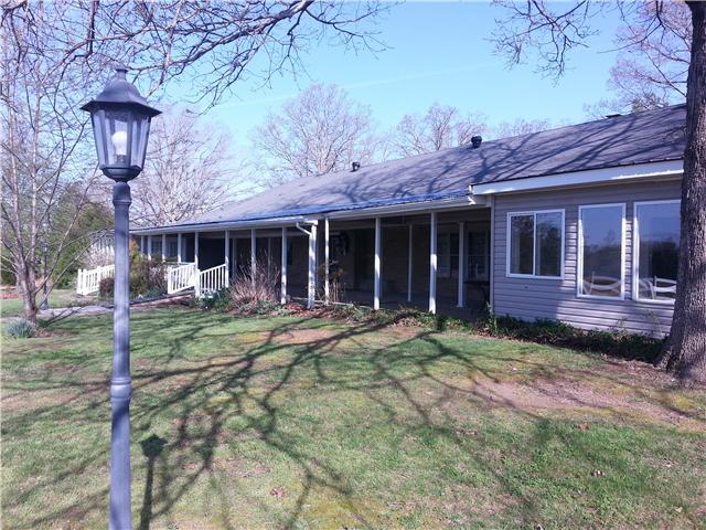 2792 Grays Bend Rd, Centerville, TN 37033