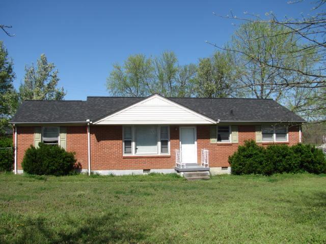 303 Carman Ave, New Johnsonville, TN 37134