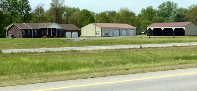 4450 Dover Rd, Woodlawn, TN 37191