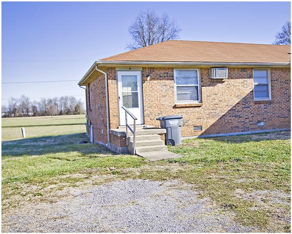 Rental Homes for Rent, ListingId:32800680, location: 151 Airport Rd Unit A Clarksville 37042