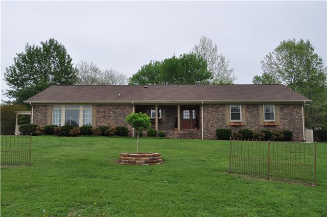 914 Greenview Dr, Fayetteville, TN 37334