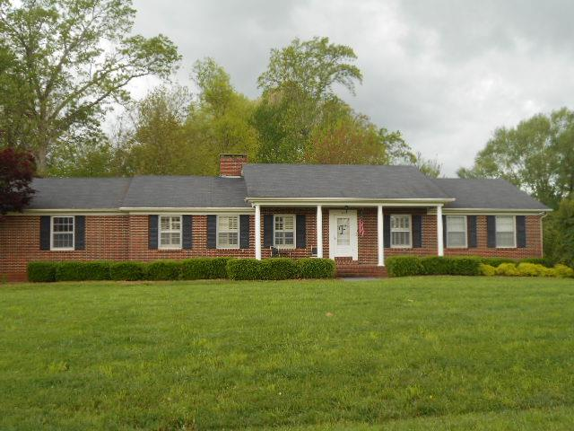 421 Oak Hill Dr, Mcminnville, TN 37110
