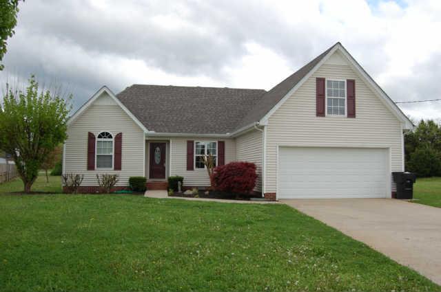 1208 Red Oak Ct, Murfreesboro, TN 37130