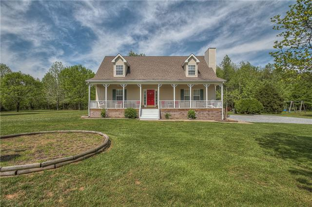 2846 Dick Farmer Rd, Cedar Hill, TN 37032