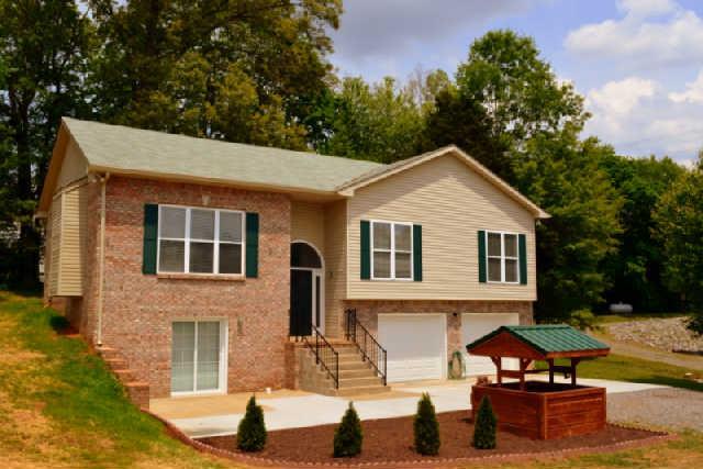 857 Salem Rd, Clarksville, TN 37040