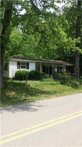 1415 Mcwhorter Rd, Cunningham, TN 37052