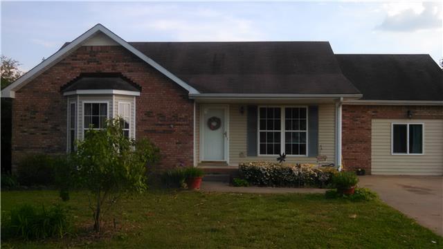 1392 Walker Cemetery Rd, Pleasant View, TN 37146