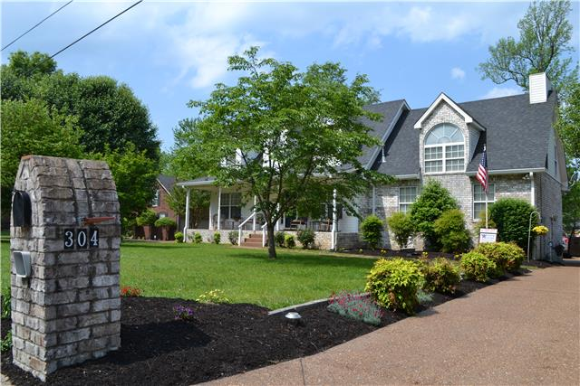 304 Orchard Park Dr, White House, TN 37188
