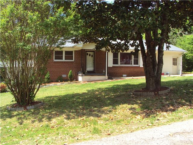 104 Hill St, Waverly, TN 37185
