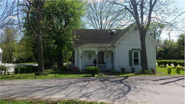 107 W Cooper St, Mount Pleasant, TN 38474