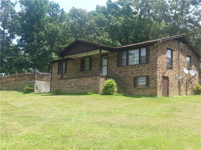 2204 Vineyard Field Dr, Centerville, TN 37033