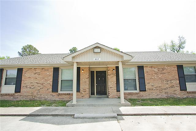 Rental Homes for Rent, ListingId:33407355, location: 807 Golfview Unit C Clarksville 37043