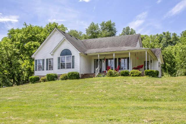 4291 Skelley Rd, Santa Fe, TN 38482