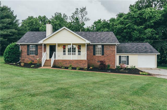 1016 Atkins Dr, Cross Plains, TN 37049
