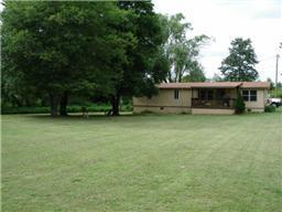 2348 Kinneys Rd, Cedar Hill, TN 37032
