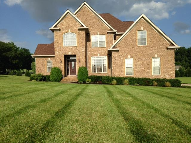 77 Deer Run Rd, Cross Plains, TN 37049