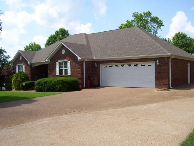 35 Greenbriar Ave, Lexington, TN 38351