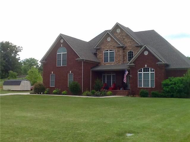 4075 Oak Pointe Dr, Pleasant View, TN 37146
